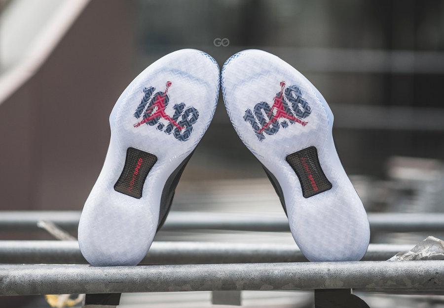 chaussure-air-jordan-xxxii-bred-banned-semelle