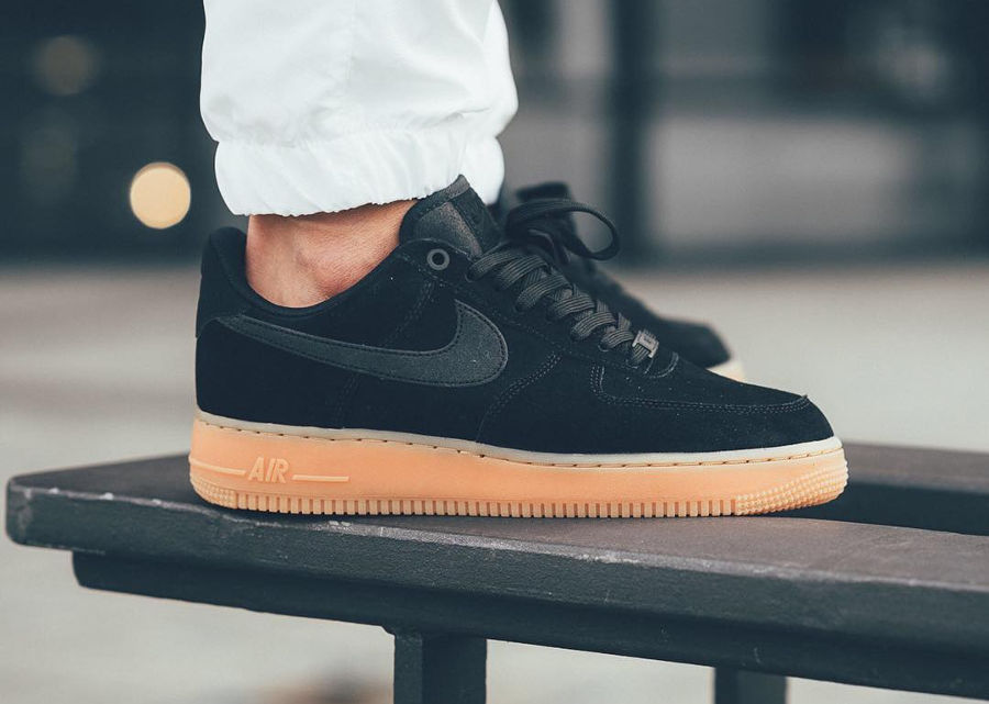 Nike Air Force 1 07 LV8 Suede Noir 'Black Gum' 2017