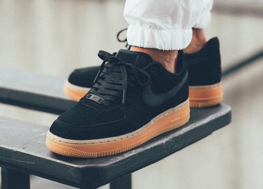 online store 77774 97bdf Nike Air Force 1 07 LV8 Suede Noir 'Black Gum' 2017