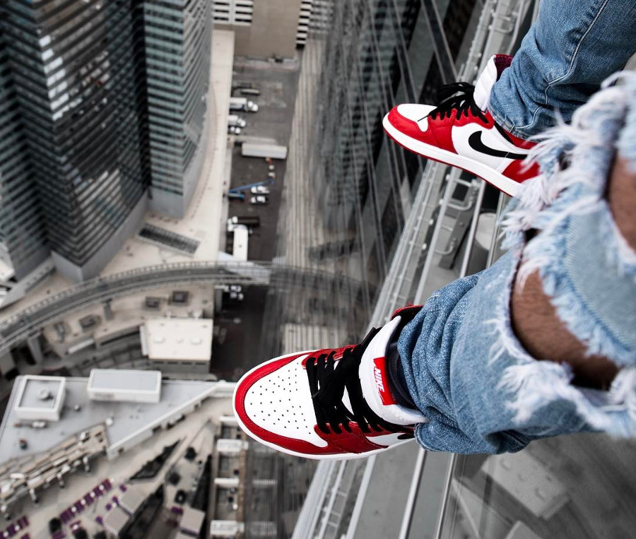 Air Jordan 1 High Retro Chicago - @paid2shoot