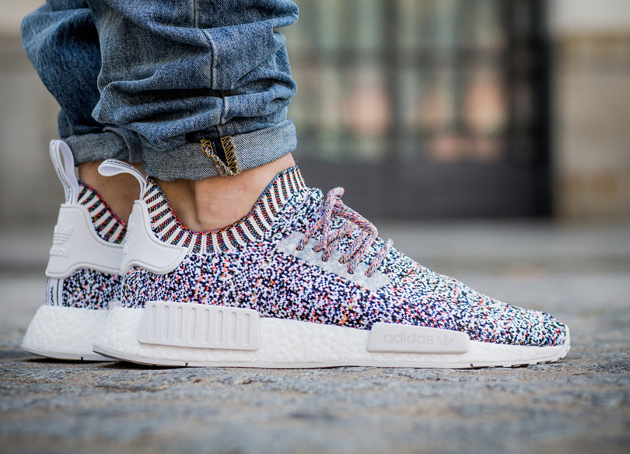 Chaussure Adidas NMD R1 PK Primeknit 'Colour Static No Signal' on feet