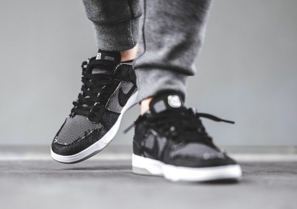 Chaussure Medicom x Nike SB Dunk Elite 'Bearbricks' Black Denim