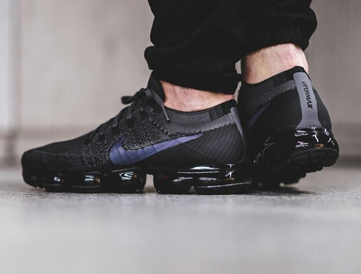 Chaussure Nike Air Vapormax 'Iridescent Swoosh' Midnight Fog