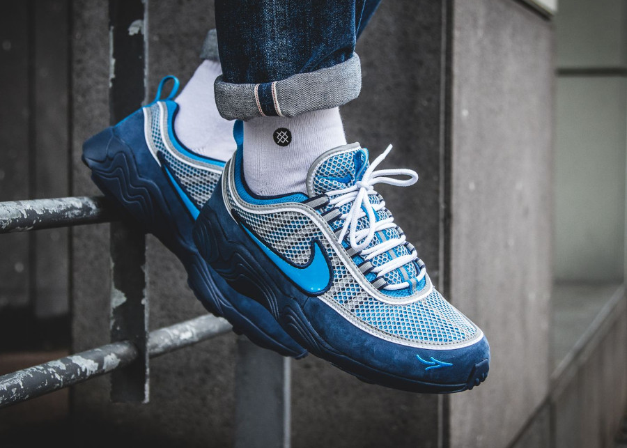 Chaussure Stash x NikeLab Air Zoom Spiridon 16 'Blue' on feet (1)