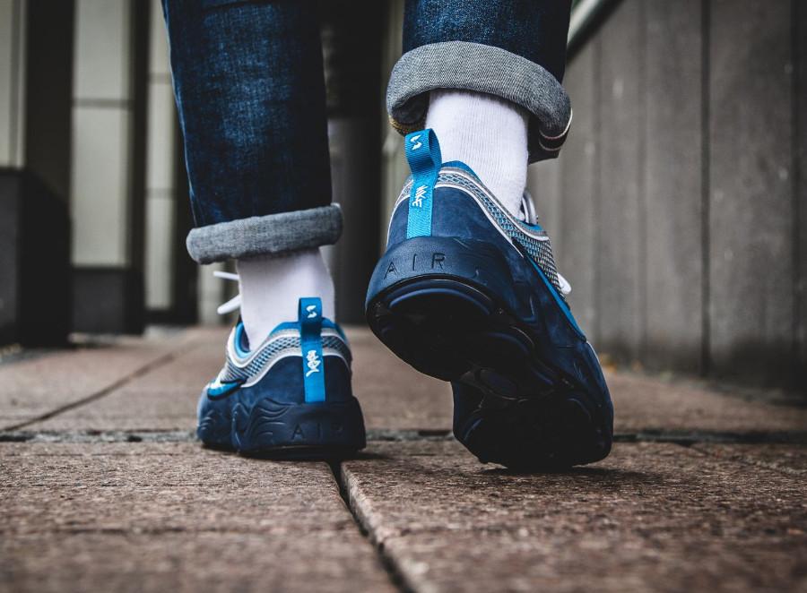 Chaussure Stash x NikeLab Air Zoom Spiridon 16 'Blue' on feet (2)