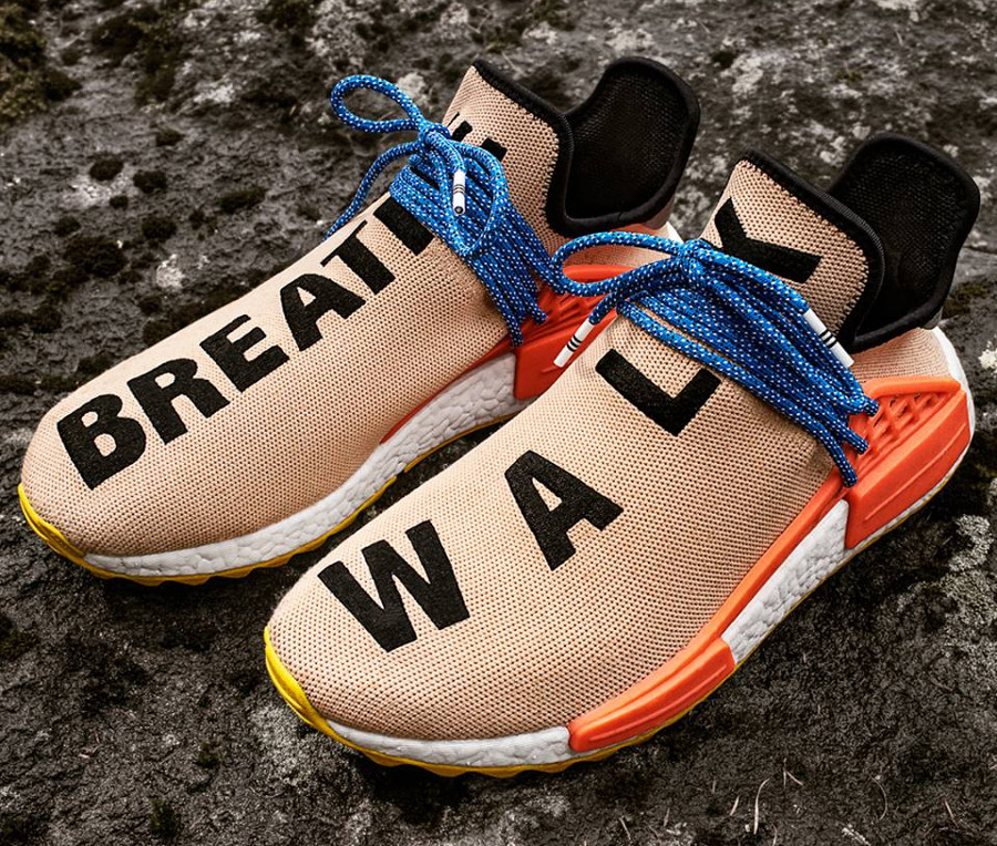 Chaussure-pharrell-williams-adidas-nmd-hu-tr_breathe-walk-AC7361 (1)