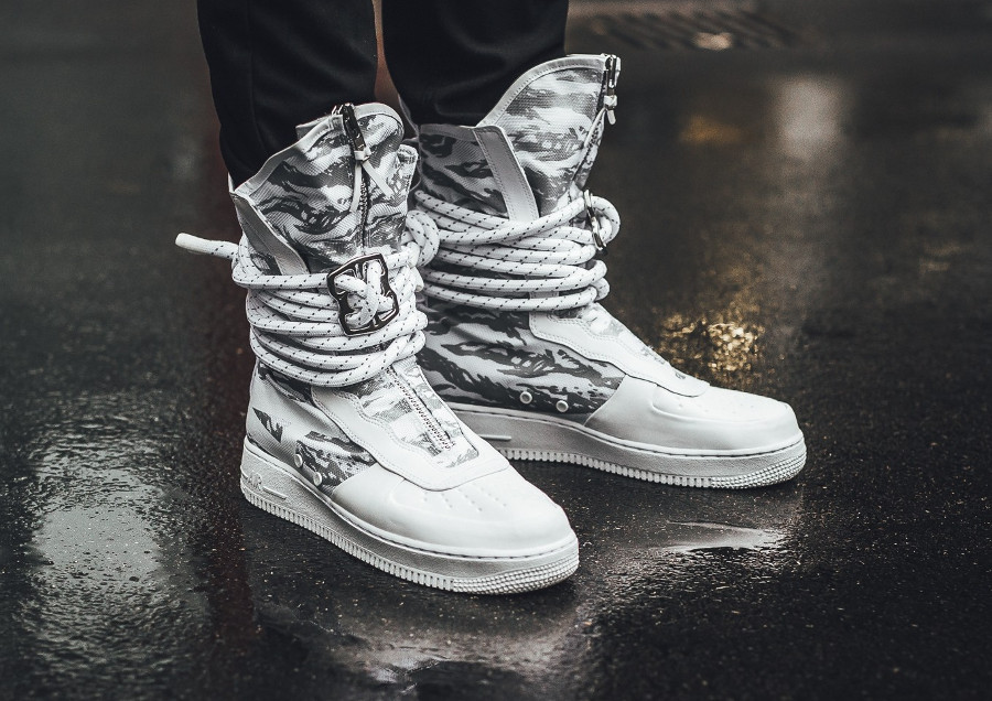 Nike Special Field Air Force 1 High 'Triple White' (Urban Freak)
