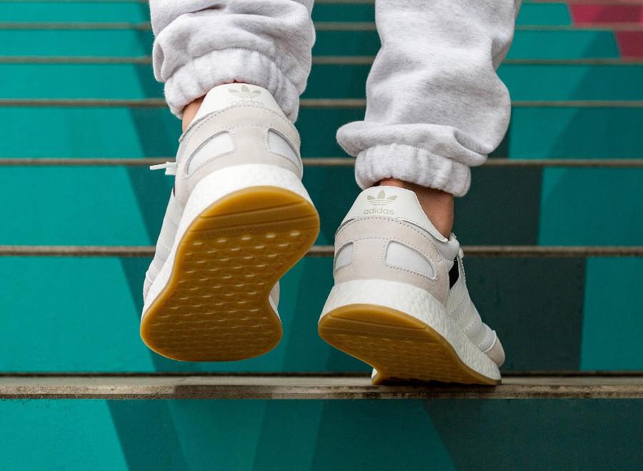 basket-adidas-iniki-i-5923-mercury-crystal-white-B42224 (2)