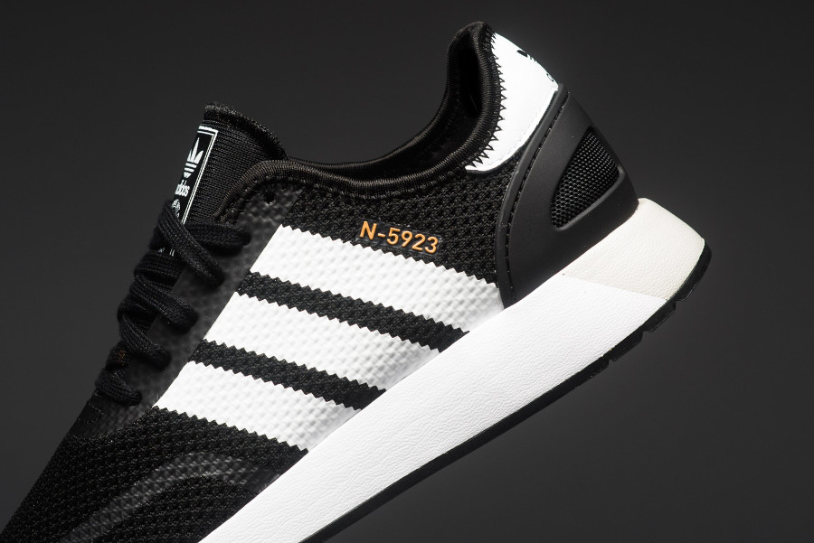 basket-adidas-n5923-iniki-black-metallic-gold-CQ2337 (2)