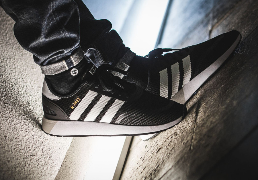 basket-adidas-n5923-iniki-black-metallic-gold-CQ2337 (4)