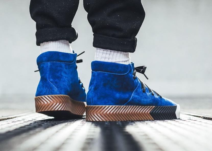 basket-alexander-wang-adidas-originals-skate-mid-daim-bleu-AC6849 (1)