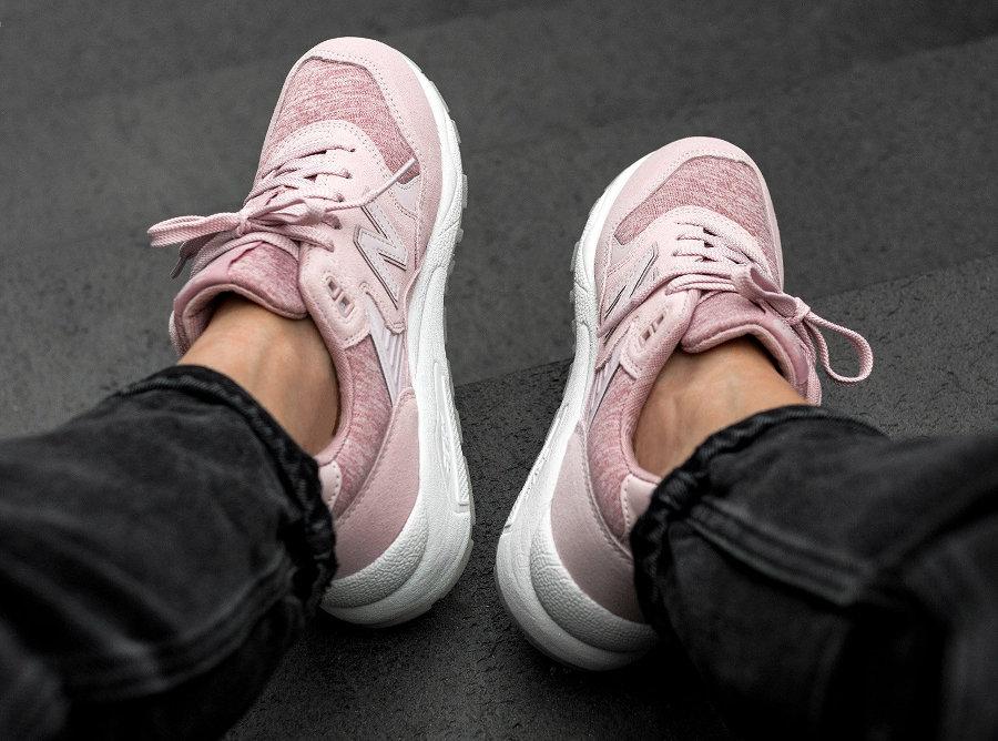 basket-new-balance-femme-WRT580HP-pink-en-daim (3)