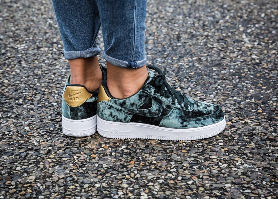 Chaussure Nike Air Force 1 Low Velvet Outdoor Green (velours vert) femme