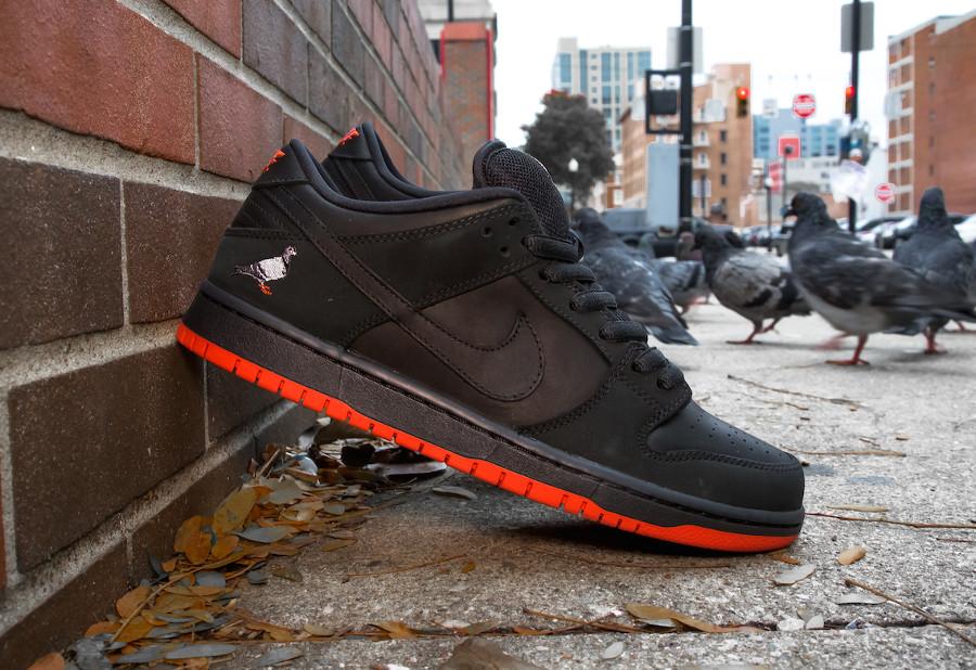 basket-nike-dunk-low-trd-qs-black-pigeon-semelle-rouge-883232-008 (5)