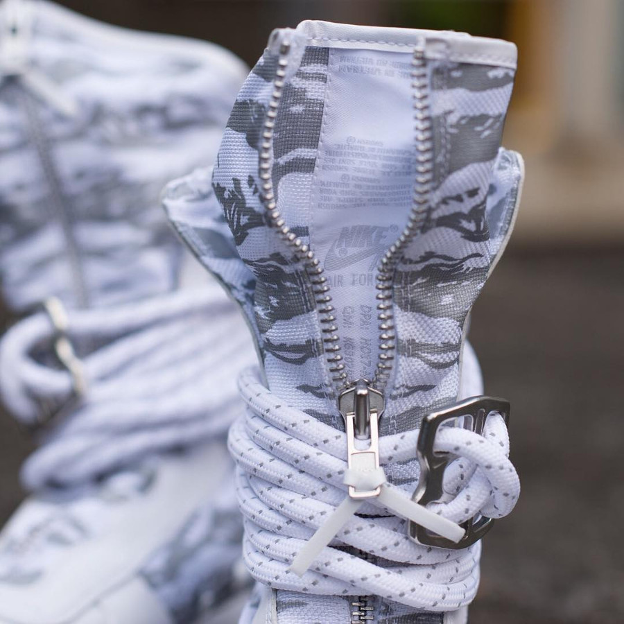 botte-nike-air-force-1-special-field-triple-white-urban-freak-camouflage-AA1130-100 (2-1)