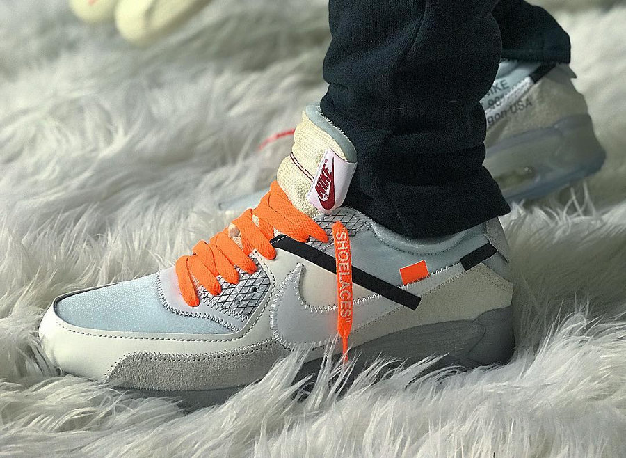 chaussure-off-white-nike-air-max-90-revealing-on-feet-aa7293 100 (4)