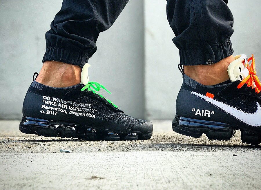 chaussure-off-white-nike-air-vapormax-revealing-the-ten-AA3831-001 (1)