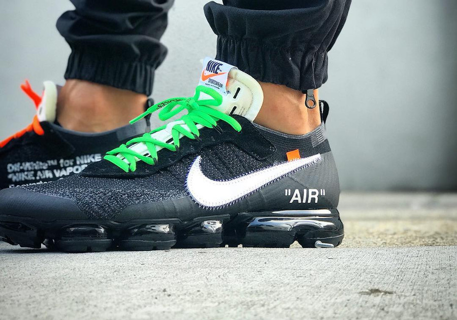 chaussure-off-white-nike-air-vapormax-revealing-the-ten-AA3831-001 (5)