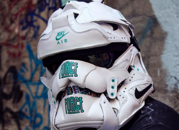 masque-nike-air-command-force-og-stormtrooper-couv