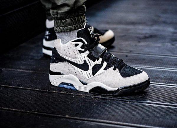 Notre avis sur la Chaussure Nike Air Force 180 Charles Barkley Suede Beige Sail Black homme