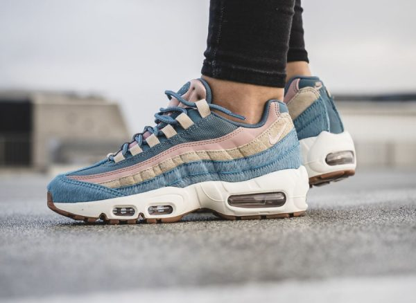 pas mal 538bb 3f965 Avis] Nike Air Max 95 LX 'Smokey Blue Mushroom' Embossed Fur