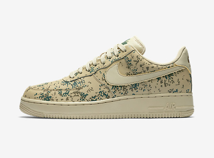 Nike Air Force 1 07 LV8 Team Gold