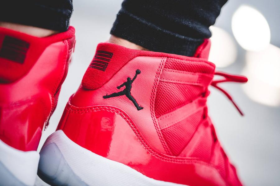 basket-air-jordan-xi-retro-gs-win-like-96-femme-on-feet-378038-623 (1)