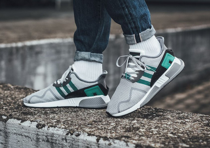 chaussure-adidas-equipment-cushion-adv-grise-two-grey-sub-green-AH2232 (6)