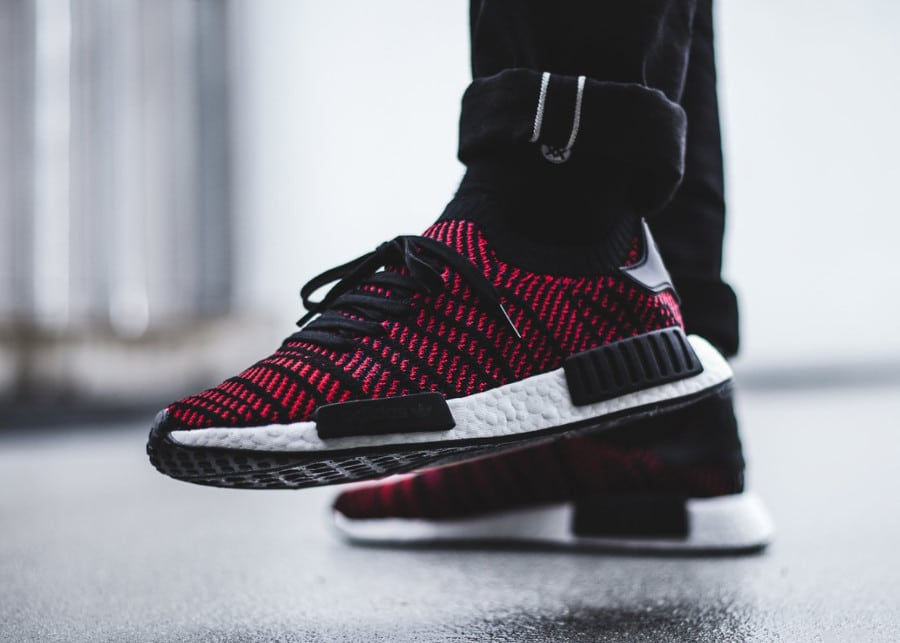 chaussure-adidas-nmd-r1-STLT-primeknit-black-core-red- (2)
