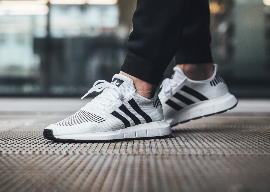 Quel avis avoir sur la Adidas Swift Run White Black (rayures