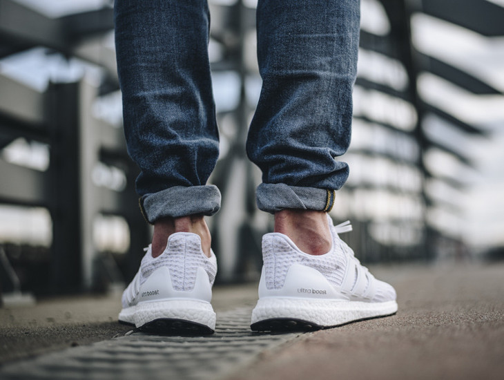 chaussure-adidas-ultra-boost-4-0-primeknit-triple-white-homme-BB6168 (3)