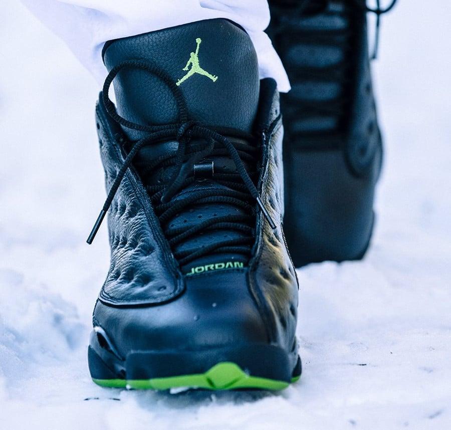chaussure-air-jordan-xiii-noire-altitude-green-2017 (1)
