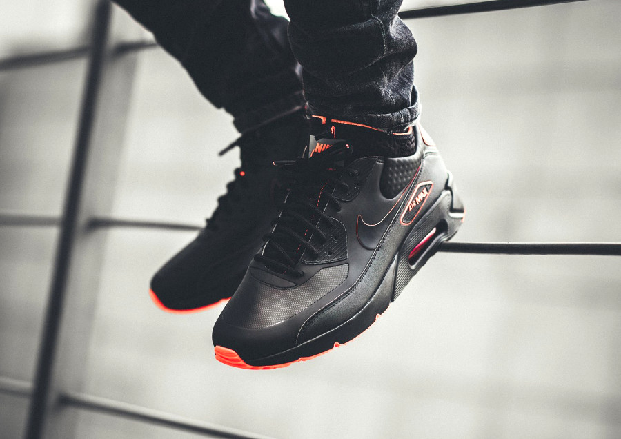 Nike Air Max 90 Ultra Mid Winter SE Sneakerboot 'Black Crimson'