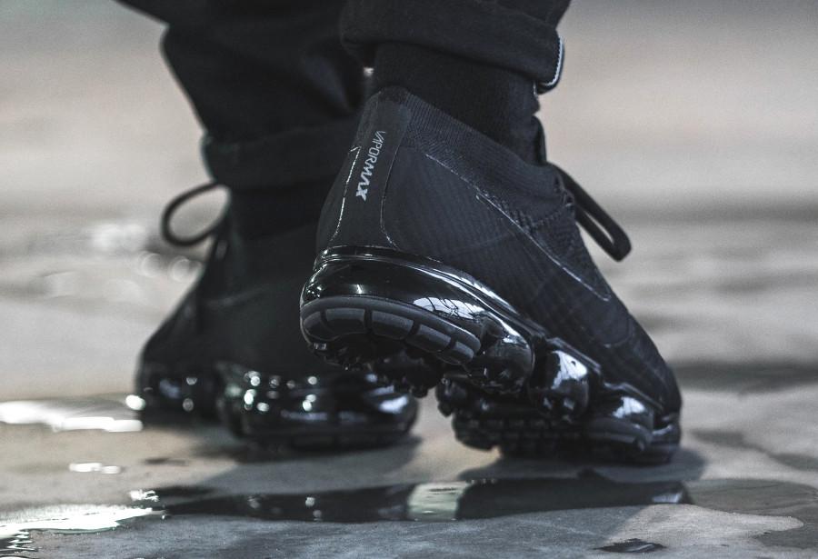 chaussure-nike-air-vapormax-flyknit-triple-noir-849558-011 (1)