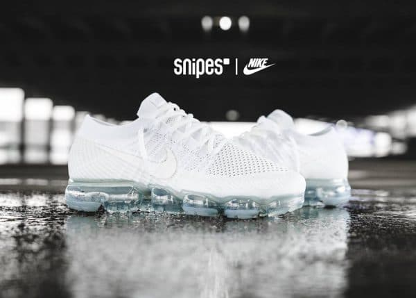 chaussure-nike-air-vapormax-white-christmas-849558-100 (3)