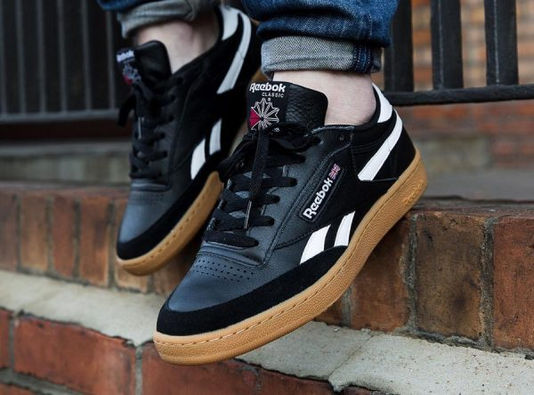 5020976b60c904 Reebok Classic Revenge Plus Noire Black Gum on feet