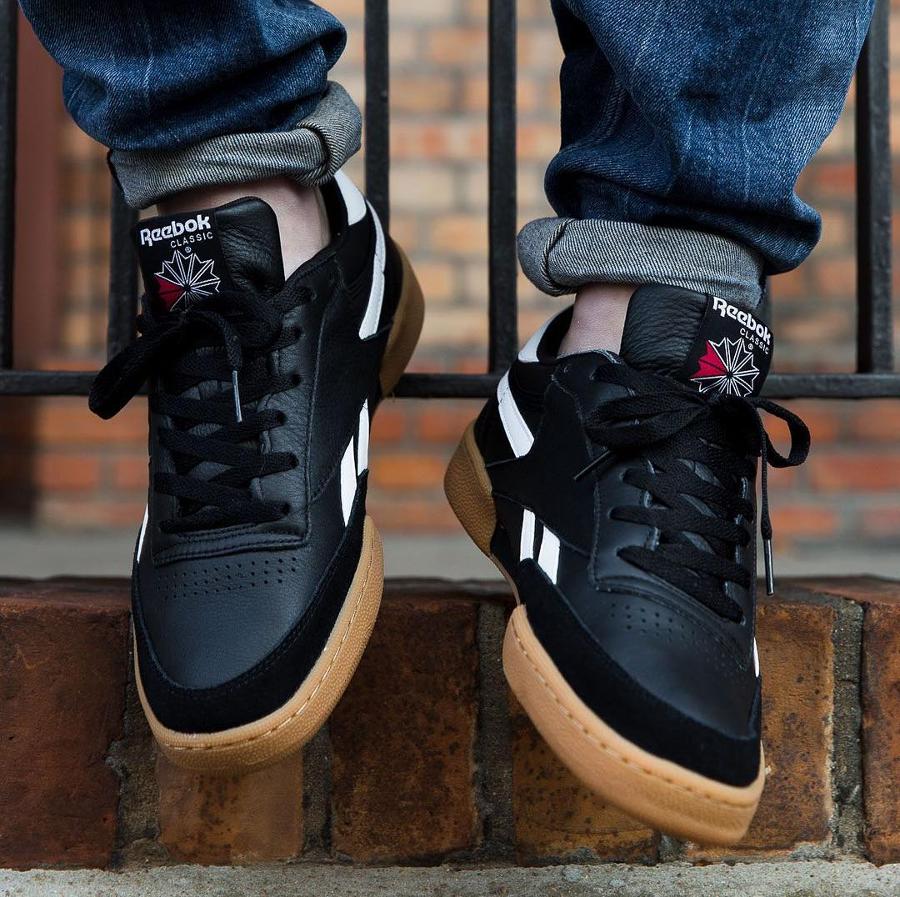 chaussure-reebok-revenge-plus-black-gum-noire-CM8790 ( 9133a9a5f