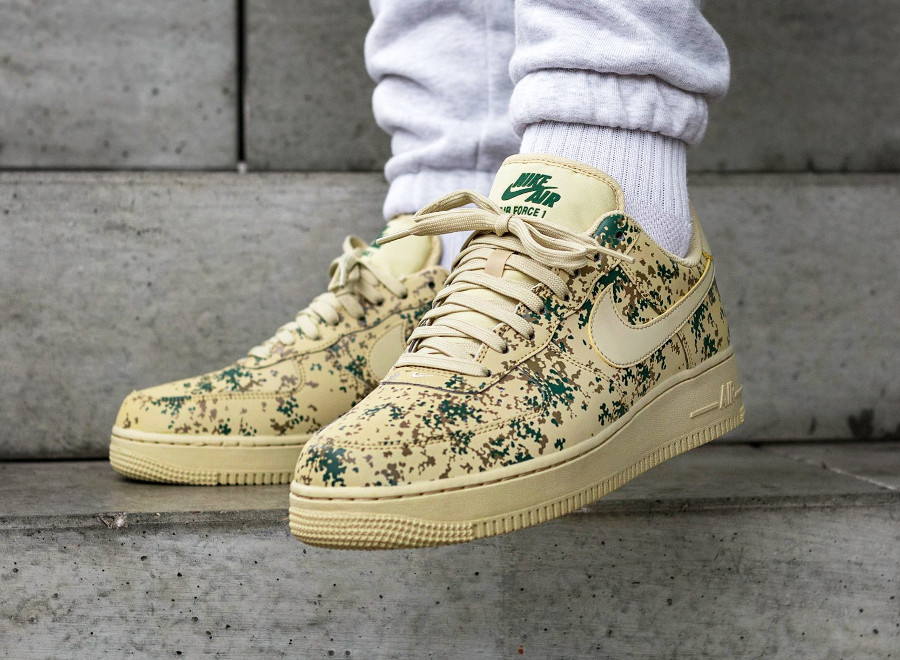 Chaussure Nike Air Force 1 07 LV8 Country Camo Team Gold