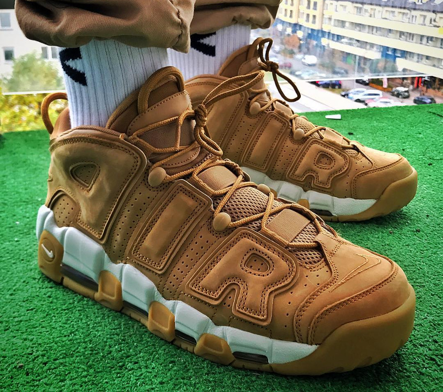 nike-air-more-uptempo-flax-tedef