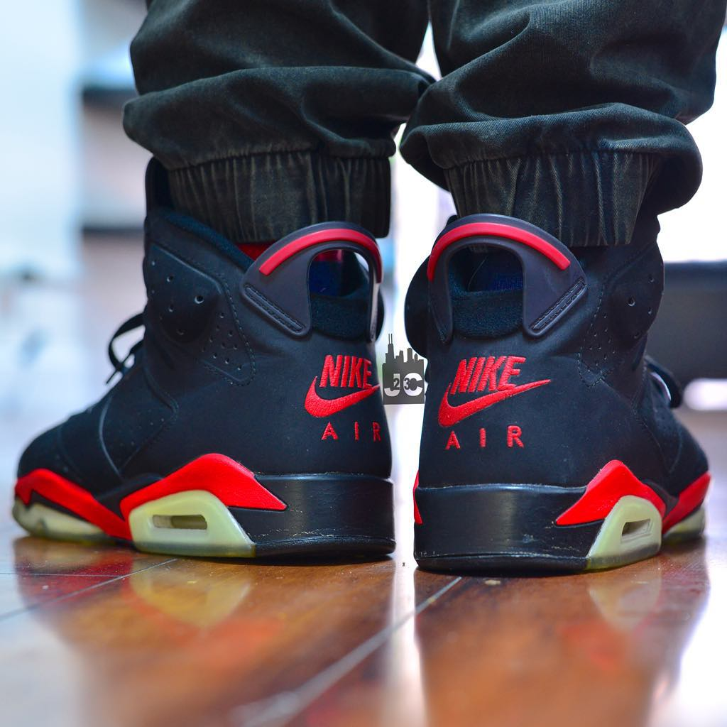 Air Jordan 6 Black Infrared Nike Air (2001)- @jcollector23 (modèle customisé)