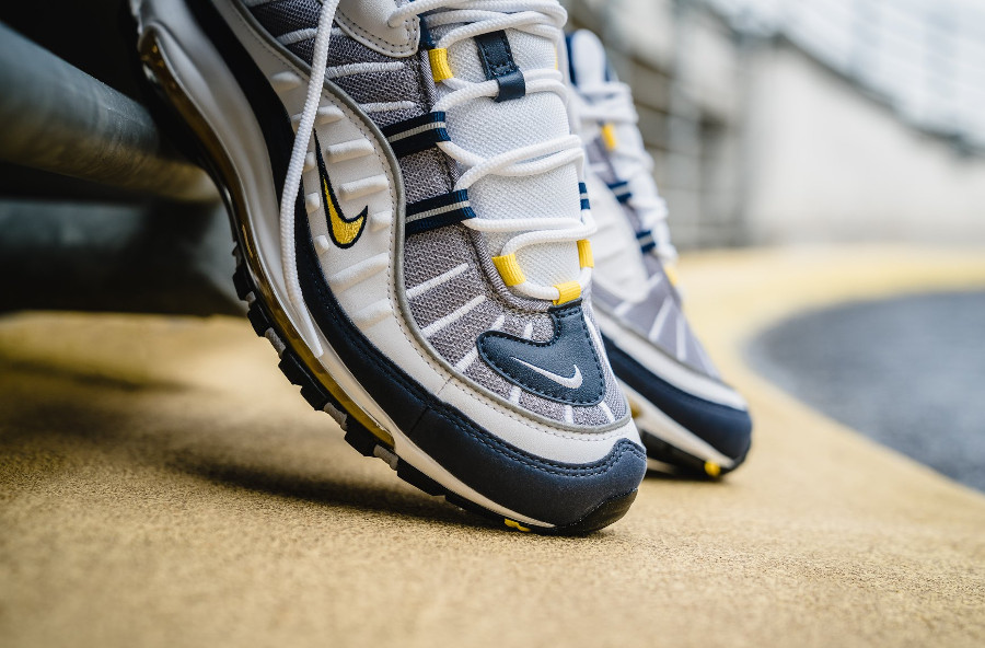 Basket Nike Air Max 98 OG Michigan Tour Yellow (2)