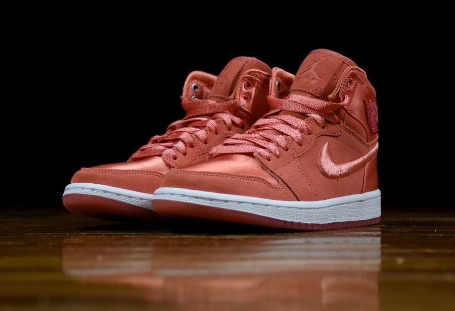 Chaussure Air Jordan 1 Retro SOH rouge Sun Blush