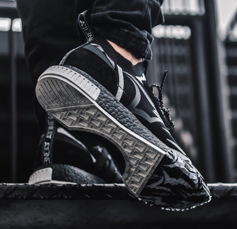 Chaussure Juice x Adidas NMD Racer Alienegra Core Black (1)
