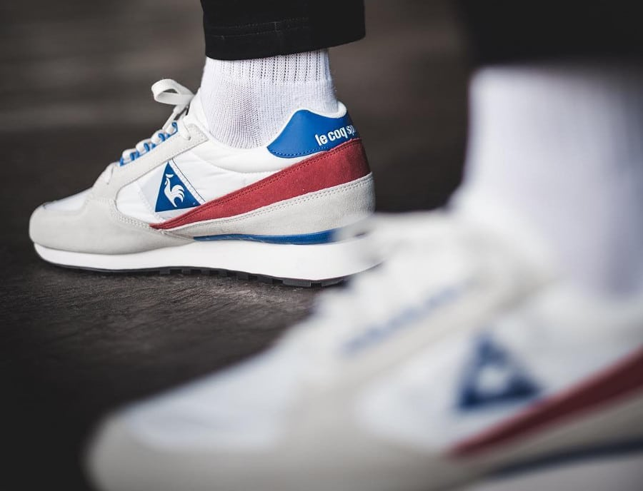 Chaussure Le Coq Sportif Eclat Nylon 2018 Marshmallow White Red Blue on feet (3)