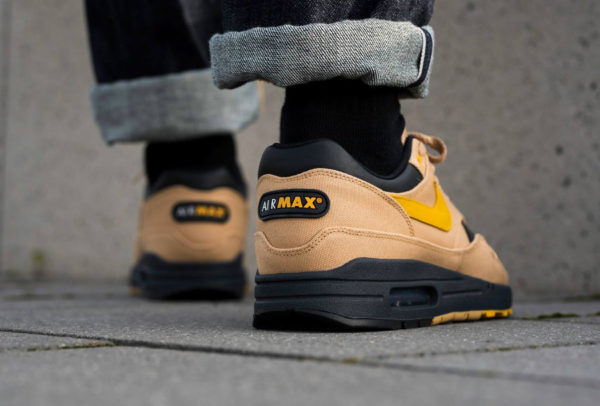 Chaussure Nike Air Max 1 PRM Elemental Gold 93 Logo