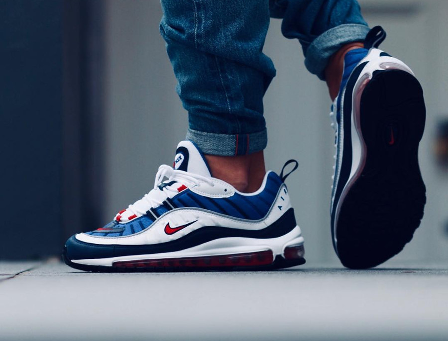 Chaussure Nike Air Max 98 OG Gundam 2018 on feet (2)