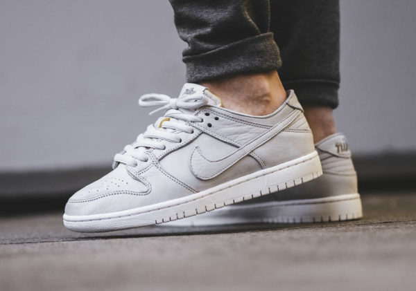Chaussure Nike Dunk Low Pro SB Deconstructed Grise Light Bone