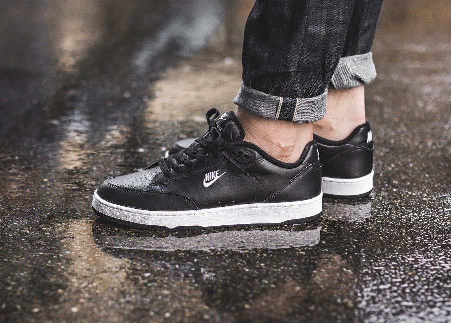 Chaussure Nike Grandstand II Premium noire Black AA2190-001