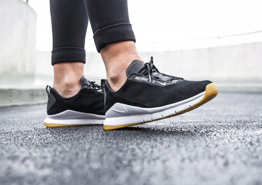 Chaussure Nike Rivah PRM Black White Gum (femme)
