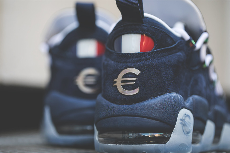Chaussure Nike Air More Money € drapeau tricolor de la france